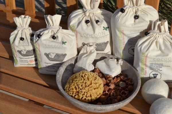 Billede af Cocoon Organic Laundry sæbebær - vaskenødder - natursvamp